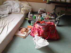 Bett und Tasche